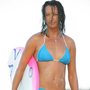 top-10-female-surfers_1
