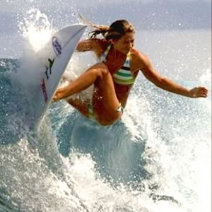 top-10-female-surfers_2