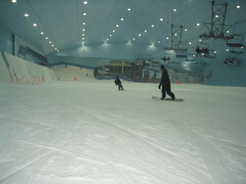 indoor-snowboarding