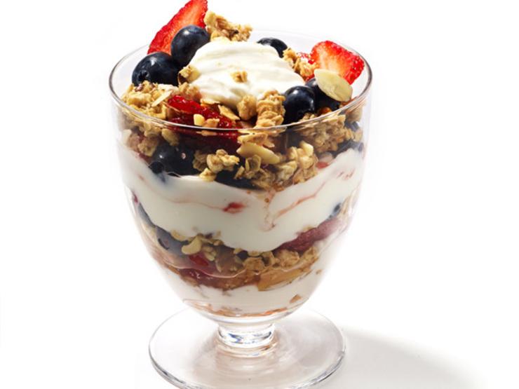 yogurt-parfait-600x450-COMP-PV0613