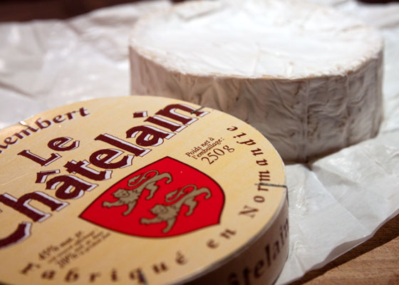 20110812-murrays-cheese-camembert-02