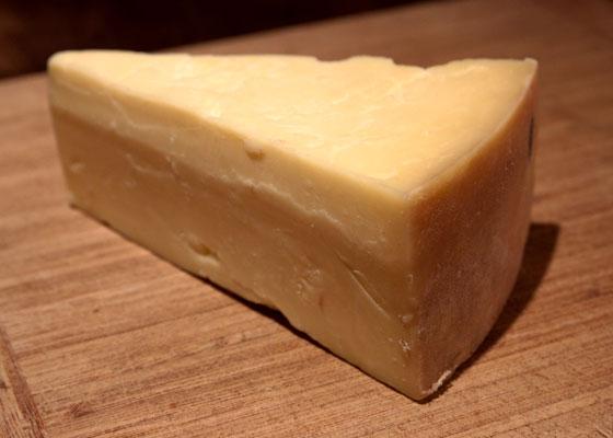 20110812-murrays-cheese-cheddar-01 (1)