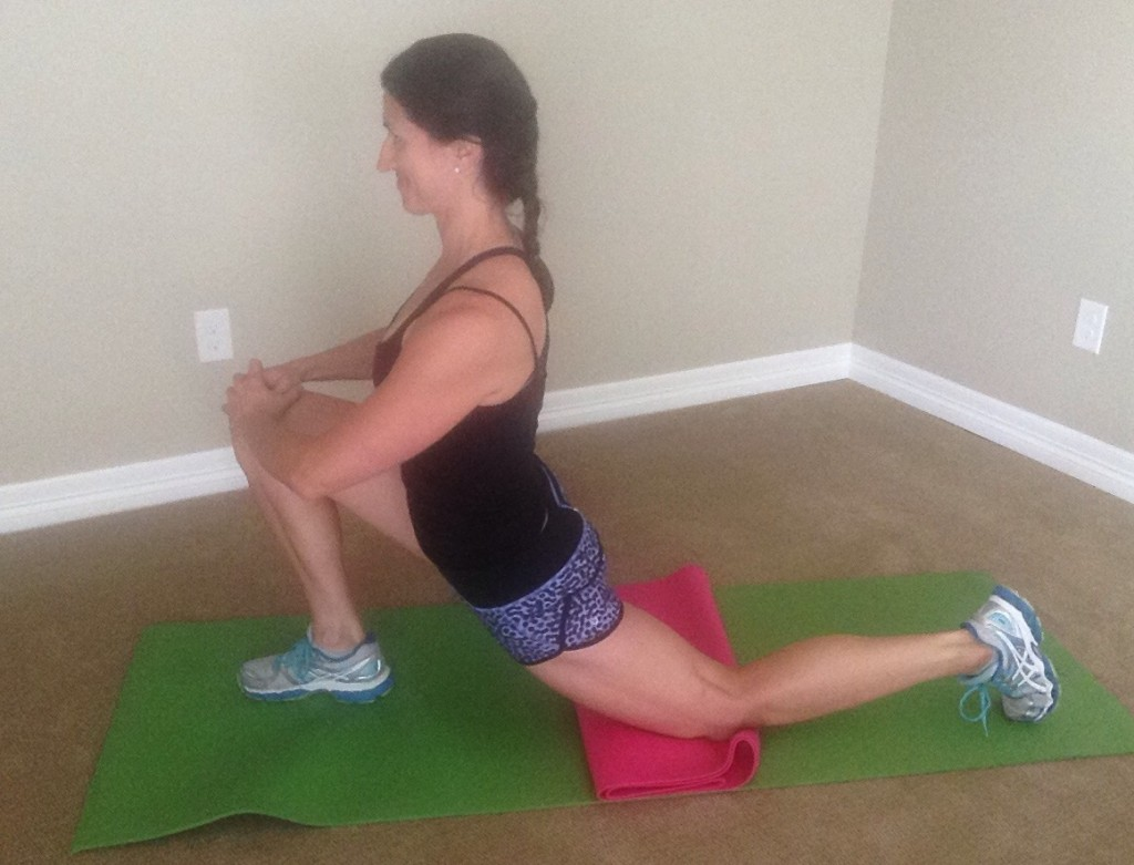 KneePain.Kneeling hip & quad stretch