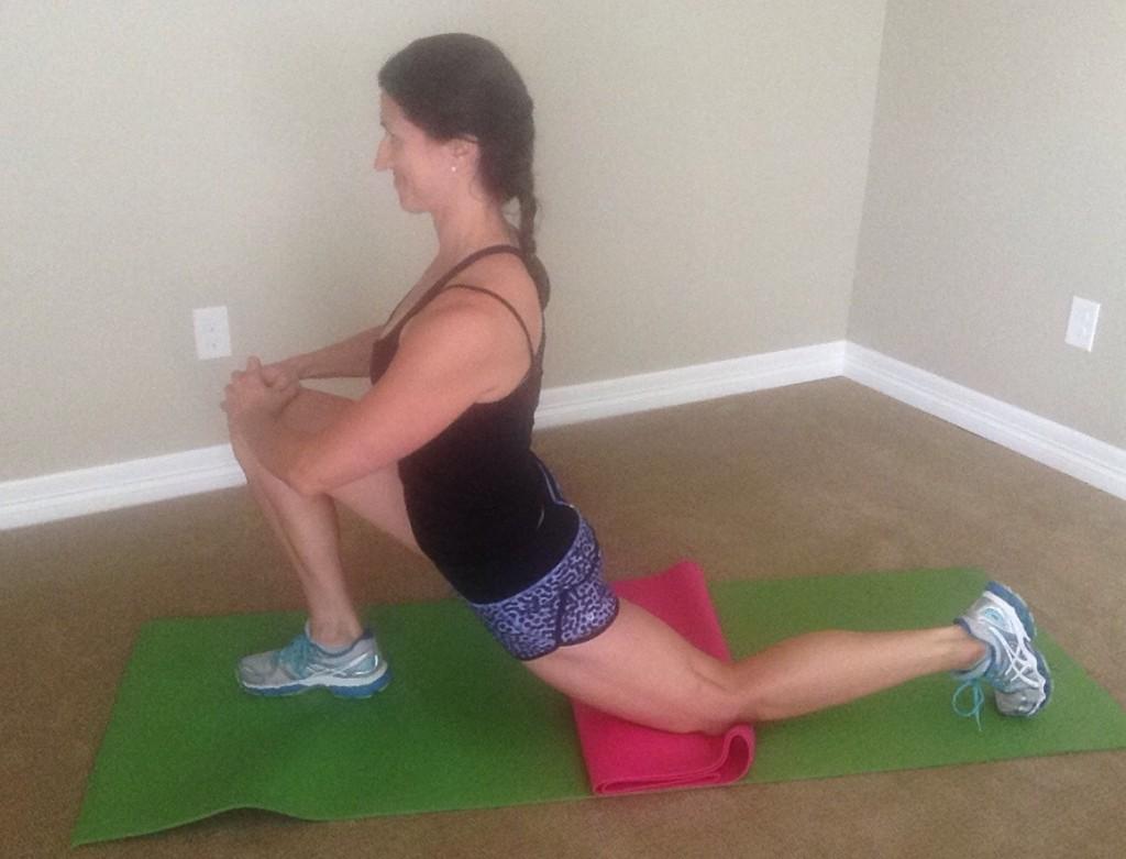KneePain.Kneeling hip & quad stretch
