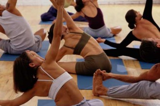 yoga-class-stretch-exercise-workout-crowded