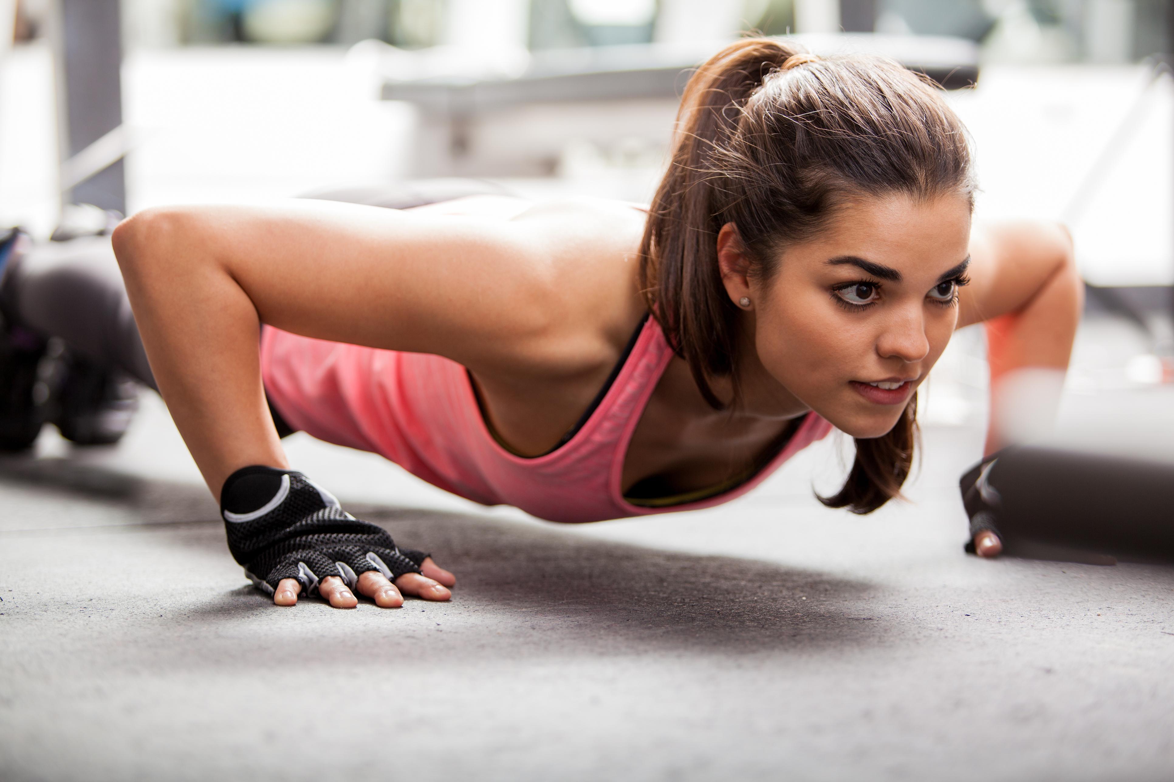 Фото девушек в спортзале для спортзала